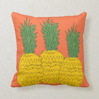 Tropisk orange ananasdekorativ kudde