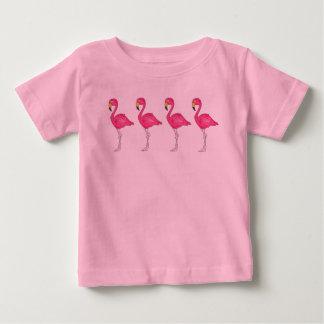 Tropisk rosa utslagsplats för fåglar för t-shirt