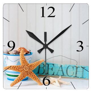 Tropisk sommar för sjöstjärnastrand fyrkantig klocka