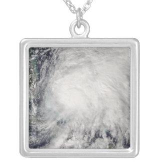Tropisk storm Noel över Bahamas Silverpläterat Halsband