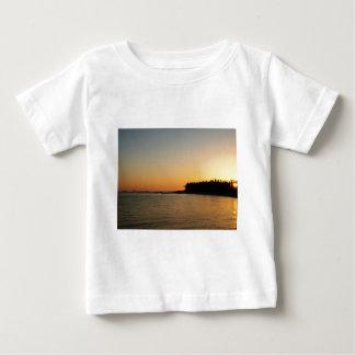 Tropiska solnedgångar t shirts