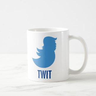 """Trumf suger kaffemuggen: """"TWIT """", Kaffemugg"""