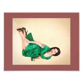Tryck för Paige Munroe smaragdklänning Fototryck