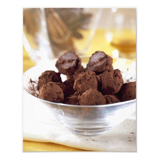 Tryfflar med 70% svart choklad för använda in foton