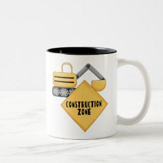 Tshirts och gåvor för konstruktion zona Två-Tonad mugg