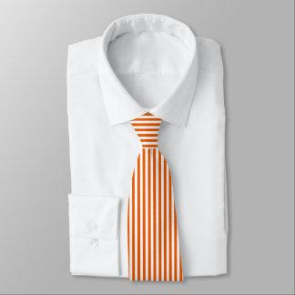 Tunn orange Tie för vitlodrätrandar Slips