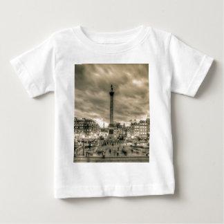 Turister i Trafalgar kvadrerar, London Tee Shirts