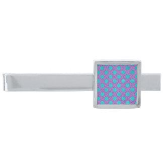 Turkospolka dots på lilalädertryck slipsnål med silverfinish