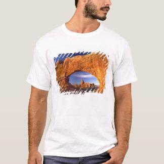 Turretbåge, bågar nationalpark, Utah, USA Tee Shirts