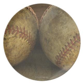 Två antika baseball fest tallrikar