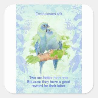Två är bättre, än man kopplar ihop Scripture Fyrkantigt Klistermärke