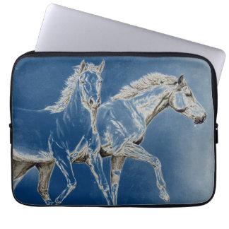 Två hästar laptop sleeve