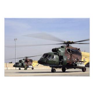 Två irakiska helikoptrar för höft Mi-17 Fototryck