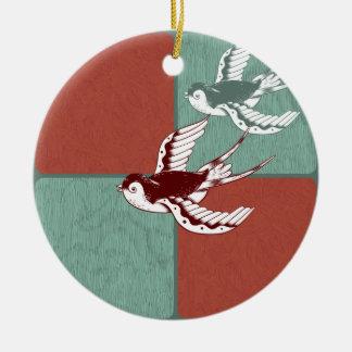 Två kvarter för färg för blått för julgransprydnad keramik