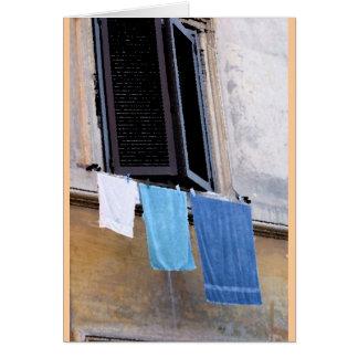 Tvätt och fönster i Rome, Italy. Hälsningskort
