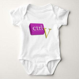 Tvilling- baby 2 för datorNerd av 2 (ctrl V) T-shirts