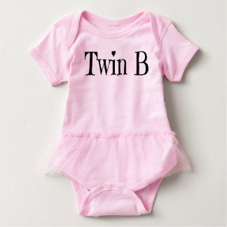 Tvilling- barnkläder - tvilling- b-Outfit/som är i T Shirts