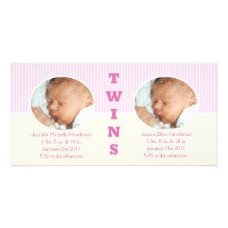Tvilling- flickor dubblerar nyfödd bebisfotokort fotokort