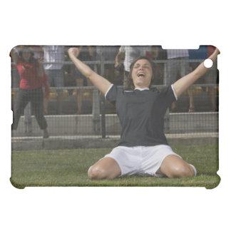 Tysk kvinnlig fotbollspelare som firar mål iPad mini mobil skydd