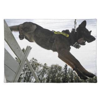 Tysk utbildning för herdepolishund bordstablett