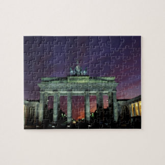 Tyskland Berlin. Brandenburg grind på natten Pussel