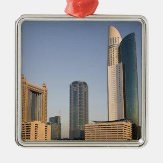 UAE Dubai. Parkera ställetorn och annat Julgransprydnad Metall