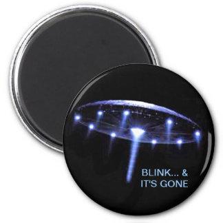 Ufo-magnet, upp, upp & bort magnet rund 5.7 cm