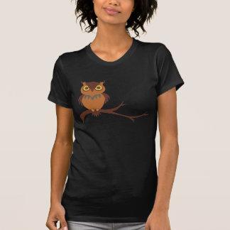Uggla på damer för en gren t-shirt