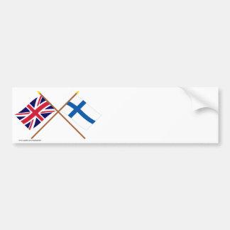 UK och Finland korsad flaggor Bildekal