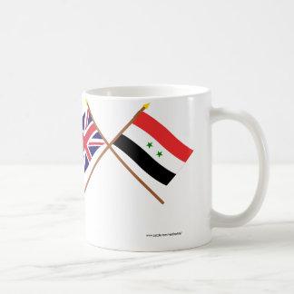 UK och Syrien korsad flaggor Vit Mugg