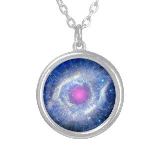 Ultraviolett öga för spiralNebula av Silverpläterat Halsband