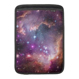 "Under ""vingen"" av det små Magellanic molnet MacBook Sleeve"