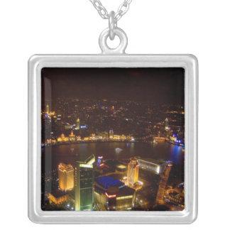 Underbar horisont för Shanghai china med modernt Silverpläterat Halsband