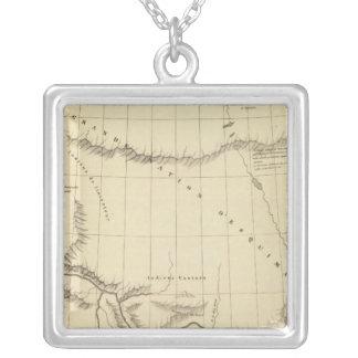 Underbar slav- sjö 15 halsband med fyrkantigt hängsmycke