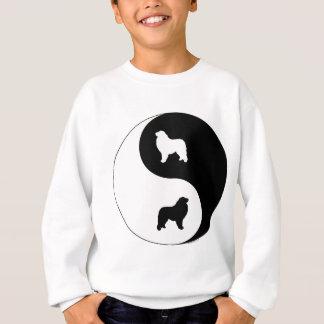 Underbara Pyrenees Yin Yang T Shirts