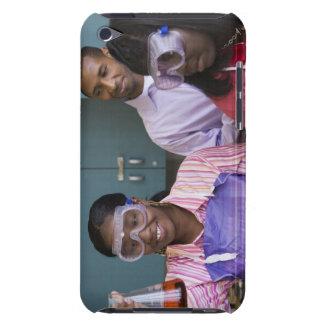 Undersökande experiment för afrikansk tonårs- barely there iPod fodraler