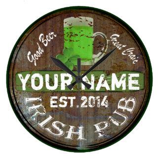 Undertecknar den irländska puben för personligen vägg klocka