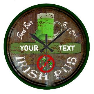 Undertecknar den irländska puben för personligen stor klocka