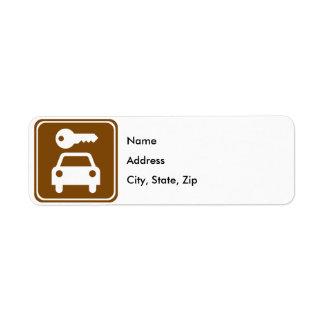 Undertecknar den uthyrnings- huvudvägen för bilen returadress etikett