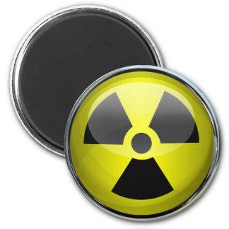 Undertecknar radioaktiv varning för det kärn- magnet