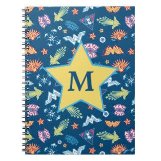 Undra kvinnasymboler & formulerar monogramen för anteckningsbok