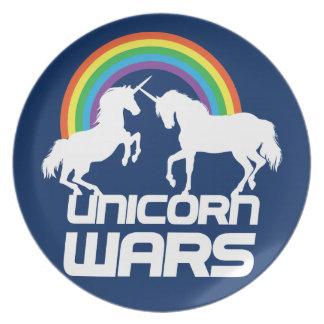 Unicornen kriger med regnbågen dinner plates