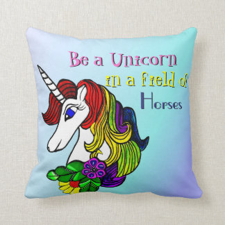 Unicornen kudder är en Unicorn i ett fält av Kudde