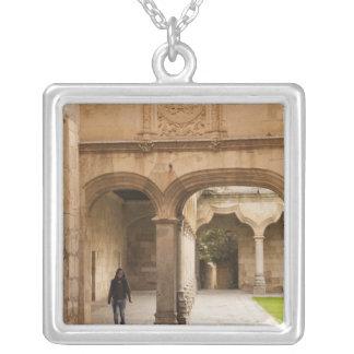 Universiteten av Salamanca Silverpläterat Halsband