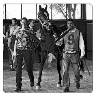 Uppkomling - Pennsylvania Derby Fyrkantig Klocka
