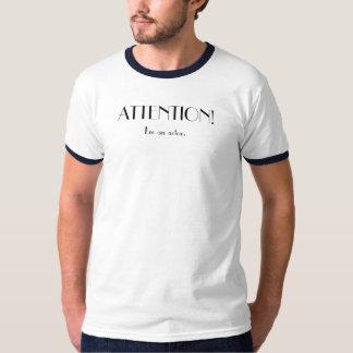 UPPMÄRKSAMHET I-förmiddag en skådespelare T-shirts
