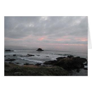 Uppmuntrankort: Stenig kusten på solnedgången Hälsningskort