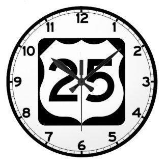 Us-rutt 25 undertecknar stor klocka