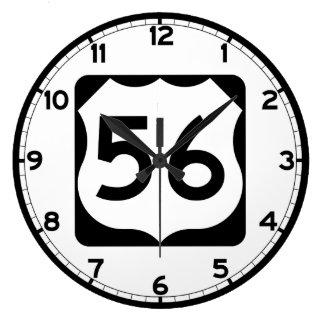 Us-rutt 56 undertecknar stor klocka