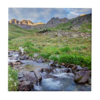USA Colorado. Soluppgången strömmer på Kakelplatta